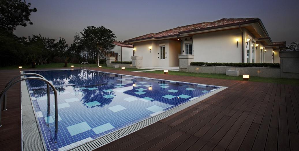펜트하우스 Outside Pool