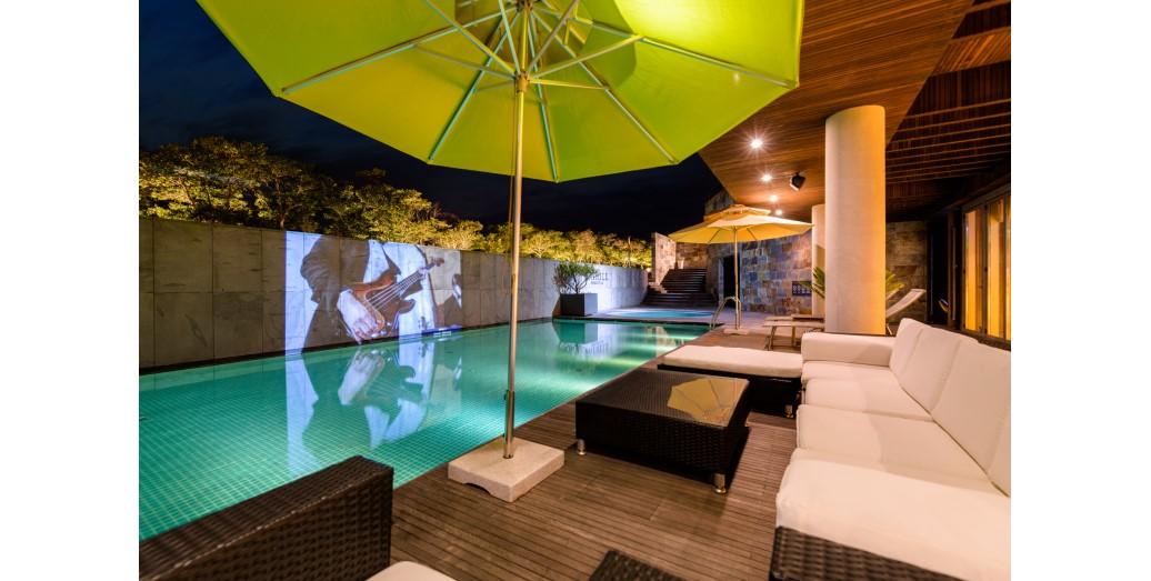 야외 공용 수영장